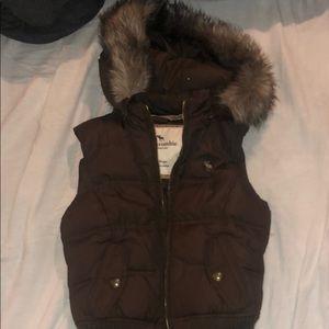 Girls Abercrombie Puffy Vest Size XL